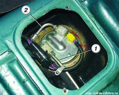 Фото №30 - где находится топливный фильтр ВАЗ 2110